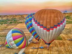 Preparing for Hot Air Balloon Flight (maios) Tags: cappadocia turkey preparingforhotairballoonflight hotairballoonflight airballoon flight air balloon preparing maios nikoskampylis friend olympuse400 olympus e400 kappadocia kapadokya sunrise