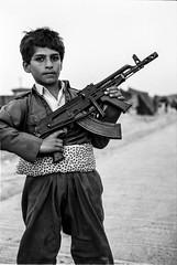 Young peshmerga controlling the border with Turkey (rvjak) Tags: irak kurdistan boy kid garçon kalachnikov weapon arme peshmerga frontière border turkey turquie