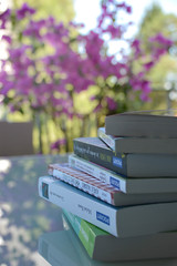livres/libros/books (mireillegodard) Tags: livres profondeur de champ