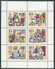 """Archiv N133 DDR Briefmarke """"König Drosselbart"""", 1969 (Hans-Michael Tappen) Tags: archivhansmichaeltappen briefmarken stamps ephemera ddrzeit deutschepost ostalgie 1960s 1960er 1969 druck gestaltung design papier farbtechnik farbe post grafik"""