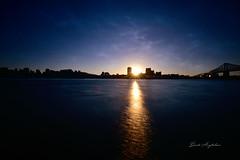 Ta sueur d'aujourd'hui est ton sourire de demain (David Anghelone) Tags: montréal canada nikond810 tamron 1530 28 filtre nisi nd1000 sunset city paysage landscape pose longue