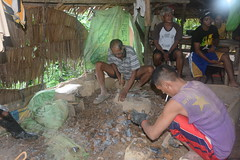 Pounding rocks in small-scale gold mine (ILO in Asia and the Pacific) Tags: childlabour decentwork philippines mining povertyreduction everydaylifeandfamily localeconomicandruraldevelopment safetyandhealth educationskillsandtraining employment workingconditions