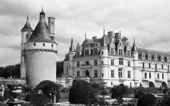8697.Castle (Greg.photographie) Tags: nikon nikonfe nikkor 50mm f18 film analog foma fomapan 400 r09 chateau castle noiretblanc bw blackandwhite chenonceau