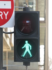 New Braums LED traffic lights on Flinders St/Gawler Pl intersection (RS 1990) Tags: adelaide southaustralia thursday 20th july 2017 city braums led traffic lights signals pedestrian flindersst gawlerpl