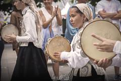 Momentos Folkloricos IV (Leticia Cabo) Tags: folk tradicional music musica galicia gallega galician piper gaita pandereta jota alala ortigueira festival party celta celtic instrument drum percusion instrumento uniforme vestimenta