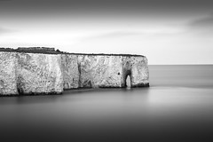 Kingsgate Bay (Nathan J Hammonds) Tags: kingsgate bay monochrome sea coast long exposure nd 10stop calm cliffs
