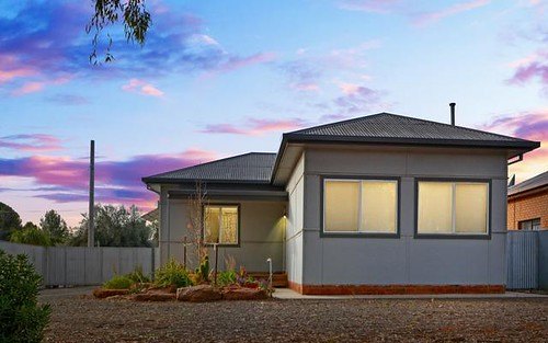 19 Griffin Av, Griffith NSW 2680