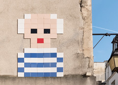 Space Invader in Paris, photographed 2016 (Jonathan Lurie) Tags: tiles tile space invader paris modern art streetart street eu16 modernart spaceinvader îledefrance france fr 2016
