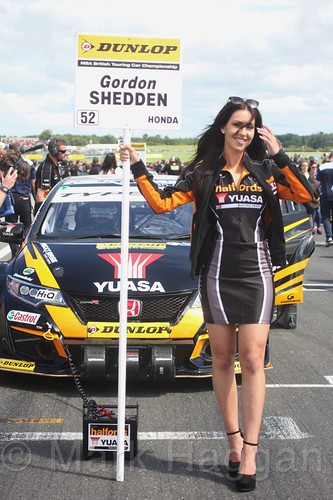 Gordon Shedden on the BTCC grid at Snetterton, July 2017