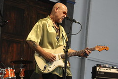 John Mooney & Bluesiana (2017) 02 - John Mooney (KM's Live Music shots) Tags: blues unitedstates neworleans johnmooney stratocasterguitar fenderguitar electricguitar guitar neworleansjazzheritagefestival bluestent fairgroundsracecourseneworleans
