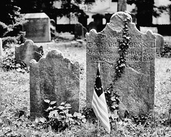 Historic Germantown_020_01 (mujetdebois) Tags: 35mm canonelan100 analogphotography biancoenero blackandwhitephotography filmisnotdead filmlives filmphotography monochrome negroyblanco noirblanc schwarzundweis черноеибелое ilfordpanf50