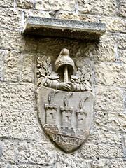 San Marino 2017 – Libertá (Michiel2005) Tags: libertá vrijheid vrijheidshoed freedomcap wapen coatofarms sanmarino rsm republicofsanmarino repubblicadisanmarino