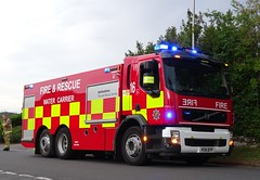 Toddington - 16 - KS11 DYP (999 Response) Tags: bedfordshire fire and rescue service tackling field fires dunstable toddington 16 ks11dyp