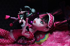 Draculaura and her Mini Me (thedollydreamer) Tags: monsterhigh draculaura doll deadtired thedollydreamer mattel monster megabloks