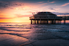 The Pier (Anthony Malefijt - www.malefijtfotografie.nl) Tags: scheveningen pier holland netherlands landscape landschaft sunset sun dusk water sea composition sky scenery beach blue light yellow nikon wwwmalefijtfotografienl
