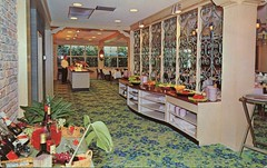 The Garden Green, Riverside Hotel, Fort Lauderdale, Florida (SwellMap) Tags: postcard vintage retro pc chrome 50s 60s sixties fifties roadside midcentury populuxe atomicage nostalgia americana advertising coldwar suburbia consumer babyboomer kitsch spaceage design style googie architecture restaurant diner cafe