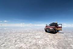 Salar de Uyuni (Rolandito.) Tags: south america amerika südamerika amérique du sud bolivia bolivie bolivien salar de uyuni water jeep toyota landcruiser mirror