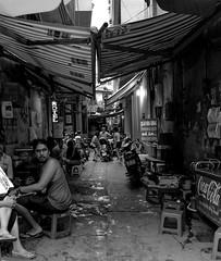 Hanoi street (Prob Chitsabesan) Tags: hanoi vietnam food market