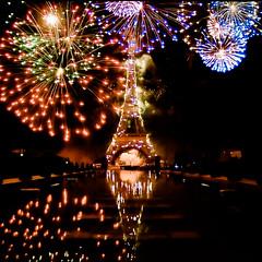 Feu d'artifice du 14 juillet 2017 (Zeeyolq Photography) Tags: 14juillet 14juillet2017 feudartifice fireworks night paris france