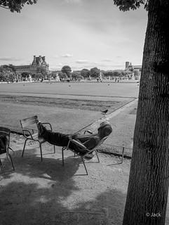 en passant par le jardin des Tuileries