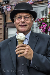 The Woodhall Spa 1940s weekend (Ian Lewry Photographer) Tags: woodhallspa 1940s wartime war bowlerhat hat ice cream ianlewry lewry