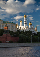 In sunshine (VIIIIVIIIIX) Tags: 16 xvi russia moscow kremlin redsquare great bell tower ivan sky water clouds polarization canon 5dm3 100mml outdoor town blue white gold yellow warm postcard ngc discovery wow light fantastic