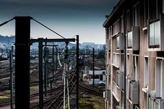 Villeneuve-saint-Georges, triage, 30 (Patrick.Raymond (3M views)) Tags: 94 banlieue sncf train rail gare station hdr hlm immeuble building nikon concordians