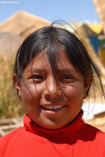 La niña de la isla de totora - Perú