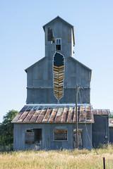 GRAIN ELEVATOR---CODY, NEBRASKA (akahawkeyefan) Tags: elevator feather cody nebraska davemeyer