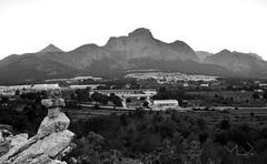 ... Sempre el turisme ... (Device66.) Tags: device polop vergonya montanyes byn paisaje