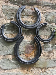 UK - Devon - Near Kingswear - Coleton Fishacre - Lucky horseshoes at entrance (JulesFoto) Tags: uk england devon nationaltrust coletonfishacre kingswear countryhouse historichouse horseshoes