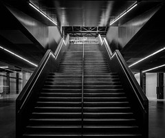 P6223032.jpg (burnsmeisterj) Tags: olympus omd em1 london lines architecture mono monochrome blackandwhite tatemodern