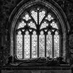 Robert the Bruce chapel - Saint Conan's Kirk - Scotland (Jan Hoogendoorn) Tags: unitedkingdom scotland kerk kirk church robertthebruce saintconanskirk bw zw blackandwhite zwartwit