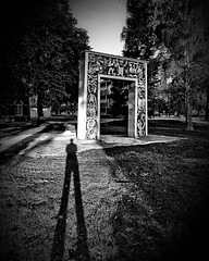 The Gate (Marc Gommans) Tags: thegate zwartwit blackwhite venray ggzvenray dutch shadowplay outdoor statue samsungs7edge android smartphone dramaticbw marcgommans