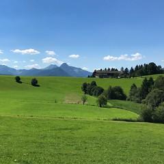 Bergsommer (ahoihamburg) Tags: sommer tirol alpen bauernhof bergsommer grün alm natur himmel