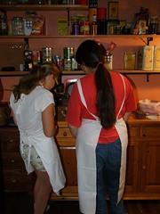 Comprendre (Grand-Pappà...) Tags: auvergne hauteloire hautesterres lobeç gîtedenfants cuisine fouràbois