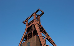 Schacht XII (wpt1967) Tags: bergbau eos60d essen förderturm industriekultur ruhrgebiet ruhrpott schachtxii zollverein canon28mm coalmining mining pitframe wpt1967