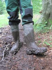 Dunlop Purofort+ in the forest (Noraboots1) Tags: dunlop dunlops purofort wellies rubber boots gummistiefel gummistøvler arbejdstøj workwear landmand laarzen gummistövlar