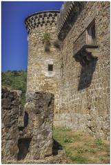 Castillo de Mombeltrán (Ávila) (José Antonio Domingo RODRÍGUEZ RÓDRÍGUEZ) Tags: españa ávila mombeltrán paisaje airelibre arquitectura castillo iglesia edificio naturaleza pueblo villa muro ruinas torre sonya6000 sigma30mm