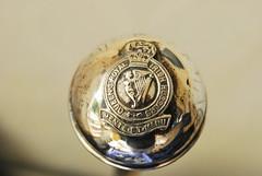 Queen´s Royal Irish Hussars (FrauN.ausD.) Tags: queen macromonday nikon d60 silber silver thrustweapon stichwaffe gehstock cane antiquität militaria britisch british army military royal irish hussars