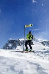 Parada técnica en la ventisca. (David Andrade 77) Tags: cervinia esquí ski italia suiza italy swiss snow nieve montaña mountain outdoor ventisca blizzard esquiador skier