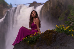 Princess of the dreams (Greenneck) Tags: portrait outdoors nature waterfalls snoqualmiefalls girl dress fashion naturallight outdoorportrait flowers sitting posed gazingfallcitywashingtonunitedstatesus
