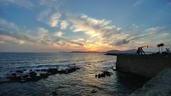 Capvespre a L'Alguer (bertanuri bcn) Tags: alguer alguerho sardegna sardinia cerdenya cerdeña italia harbour soleil sol postadesol mediterrani mediterrania mediterranee mar atadecer nubes landscape paisaje paissatge picture pic photography lg lgg6 mediterraneo