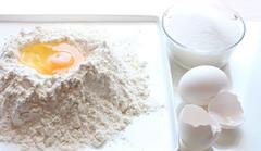 Baking (al_yeshil) Tags: eggs flow baking dough stillife sugar white highkey