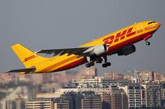 D-AEAF (Mariano Alvaro) Tags: avion dhl airbus a300 carguero madrid barajas