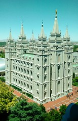temple from above (ekelly80) Tags: utah saltlakecity june2017 roadtrip keisgoesusa templesquare saltlaketemple temple above lookdown windows