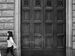 (Jason Clifton) Tags: canon canon5dmarkiii 5dmarkiii 5dm3 ef35mmf14lusm 35mmf14l 35mm 35mml streetphotography documentary photojournalism nationalgeographic natgeo primelens nozoom noflash availablelight existinglight naturallight architecture italy blackandwhite bnw bw monotone monochrome environmentalportrait jasonclifton jasoncliftonflickr flickrjasonclifton people girl door florence