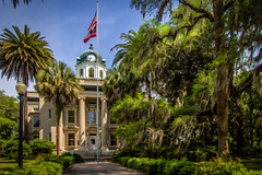Glynn County Courthouse (MichaelSOwens) Tags: brunswick georgia glynn county courthouse topaz simplify cabbagepalms datepalms oaks spanishmoss usa southeast coast flagpole
