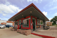 15th & Chris - Rockford, IL (Laurence's Pictures) Tags: 15th chris rockford burger stand ice cream diner illinois transform fast food