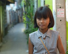 pretty preteen girl (the foreign photographer - ฝรั่งถ่) Tags: pretty preteen girl child pageboy haircut khlong bang bua portraits bangkhen bangkok thailand nikon d3200